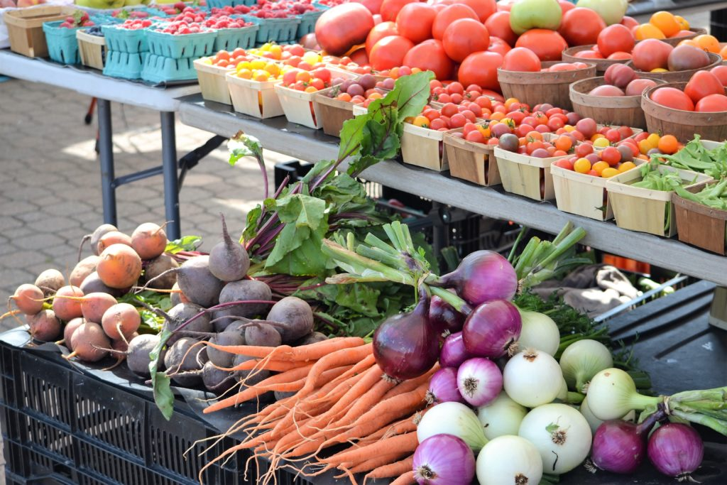 Sustainability Theme of The Month: Farmer's Markets! 3